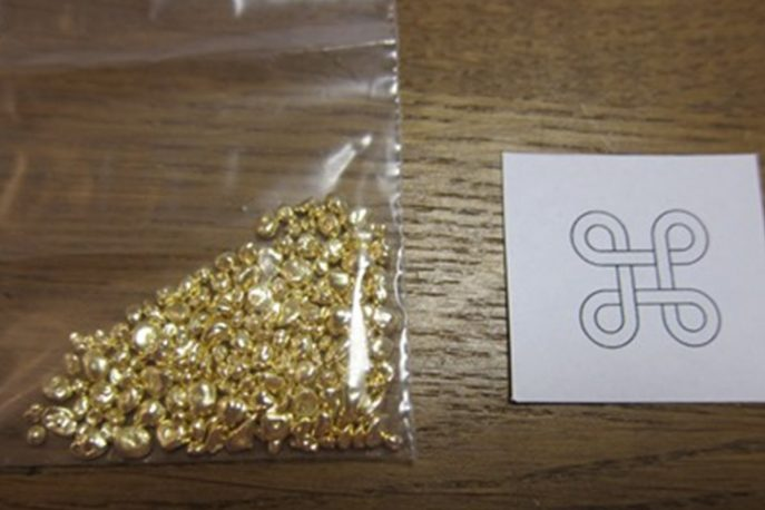Grains of gold to make the pendant.